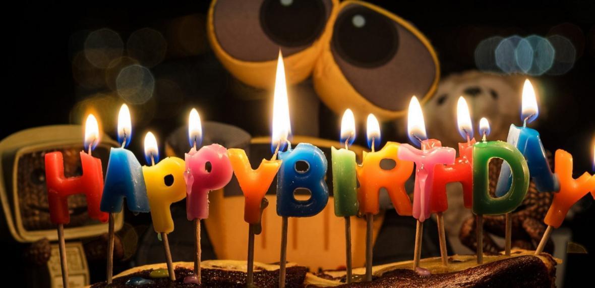 فوت کردن شمع کیک تولد ممنوع!