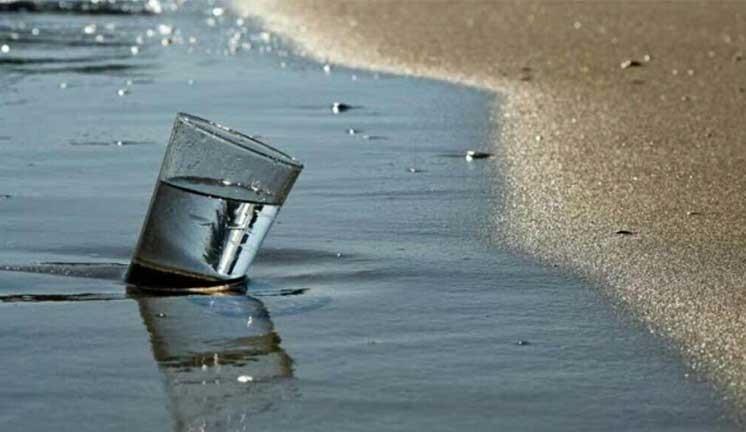 نانوروزنه های سنتزی، آب شیرین و تمیز از دریا می گیرند